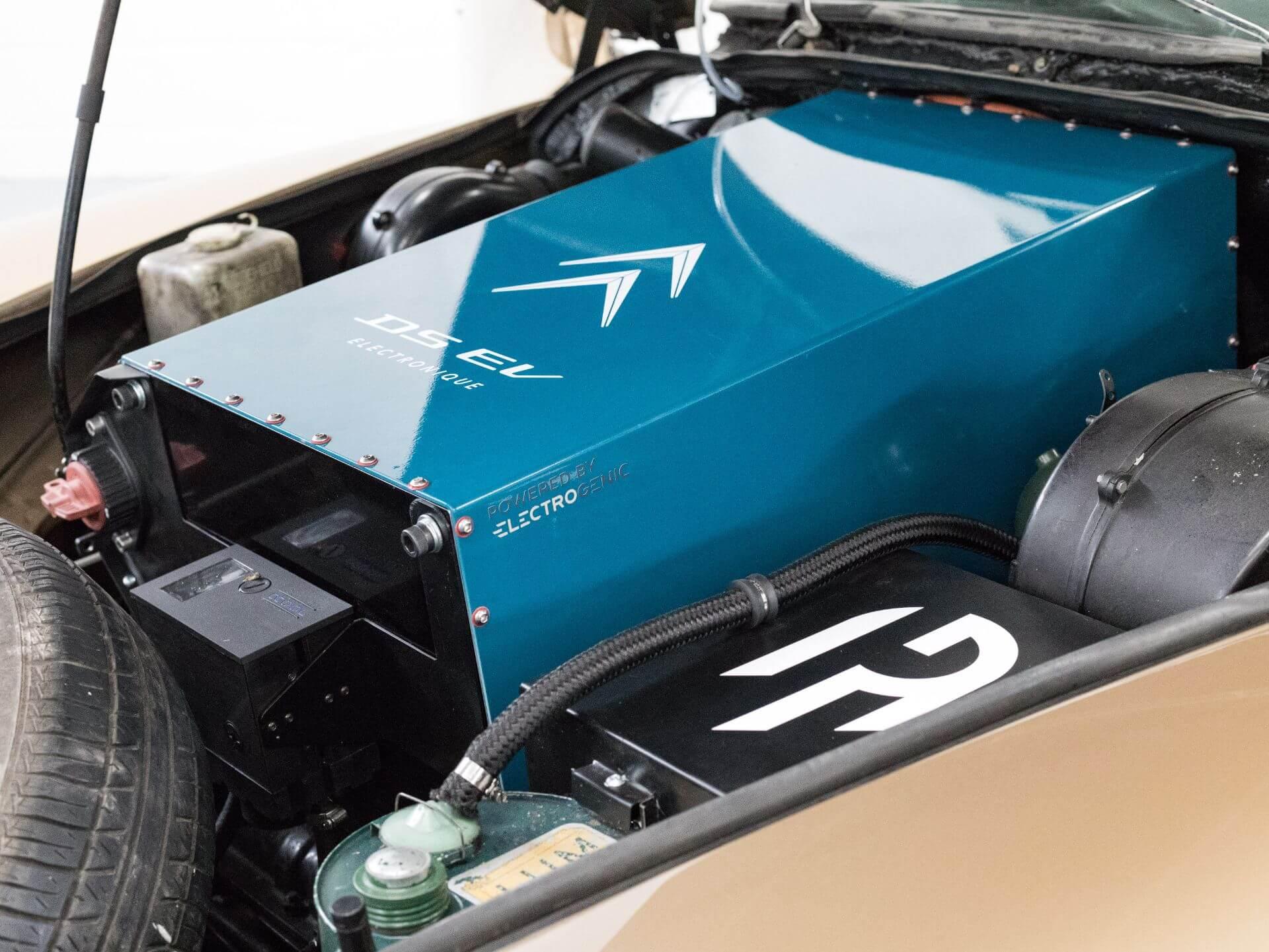 Специалисты Electrogenic оснастили седан 1971 года собственным электродвигателем 'Hyper9′