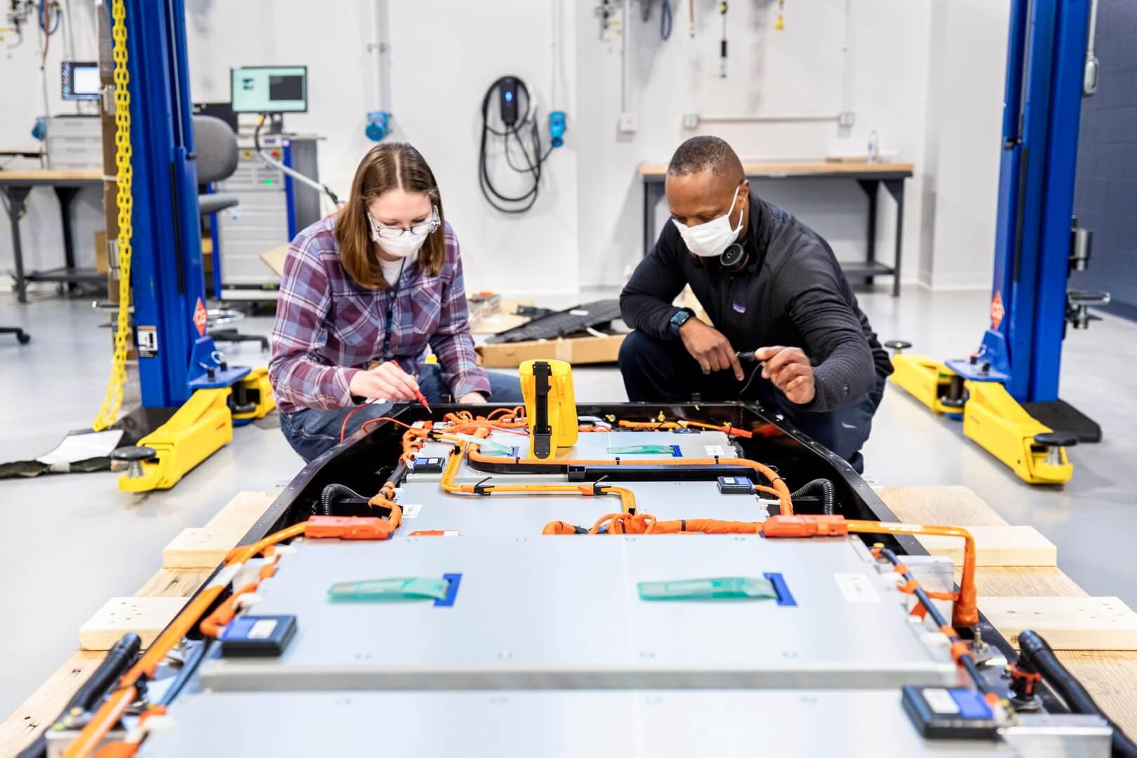 Ford откроет лабораторию по тестированию и производству аккумуляторов для электромобилей в Мичигане