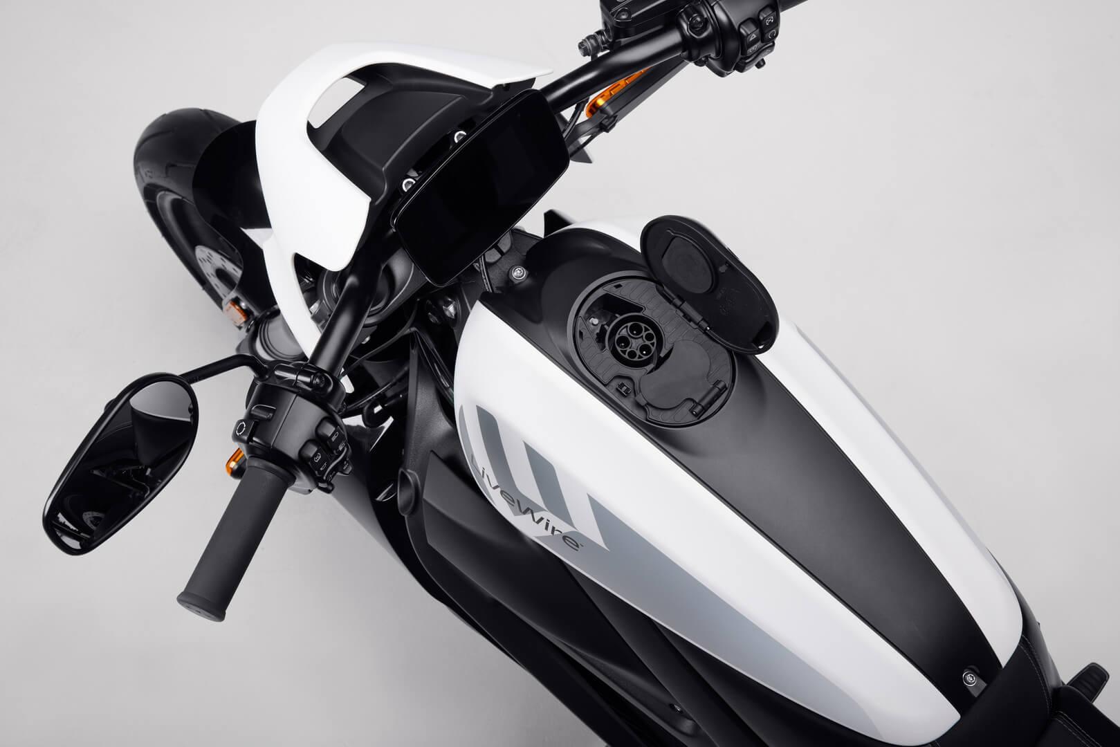 Зарядный порт электрического мотоцикла LiveWire ONE