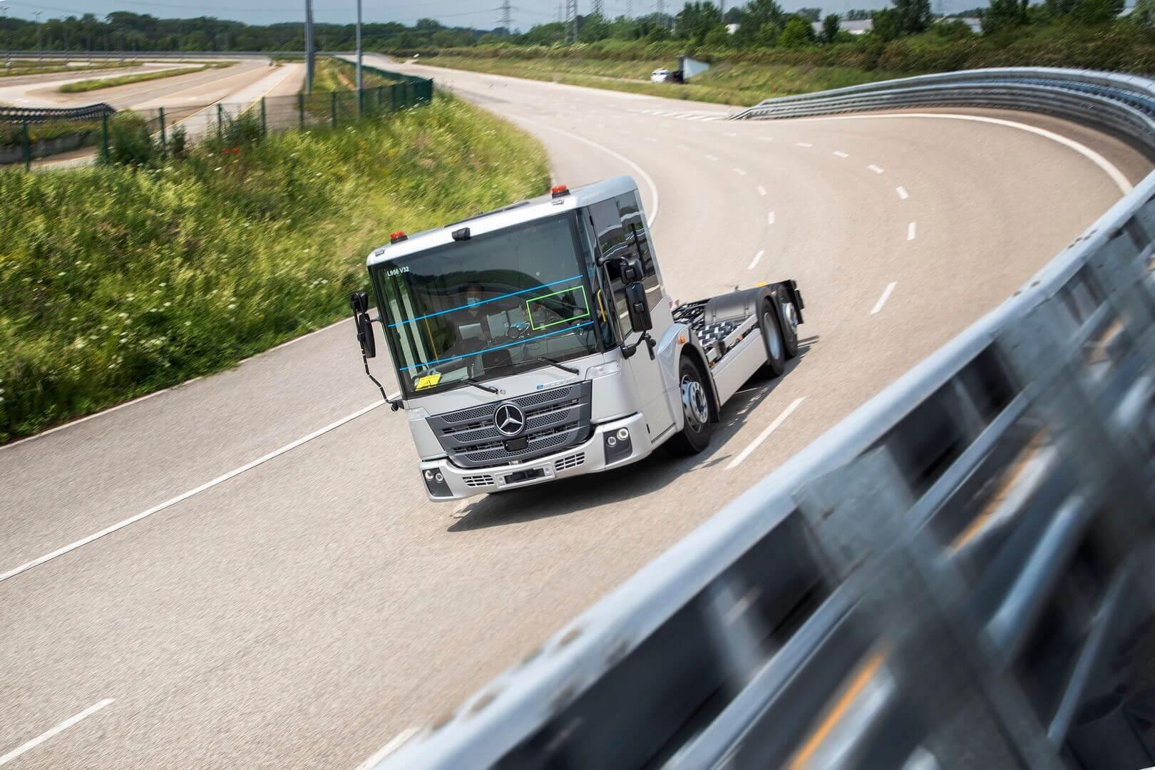 Серийное производство eEconic планируется начать на заводе Mercedes-Benz Wörth в 2022 году