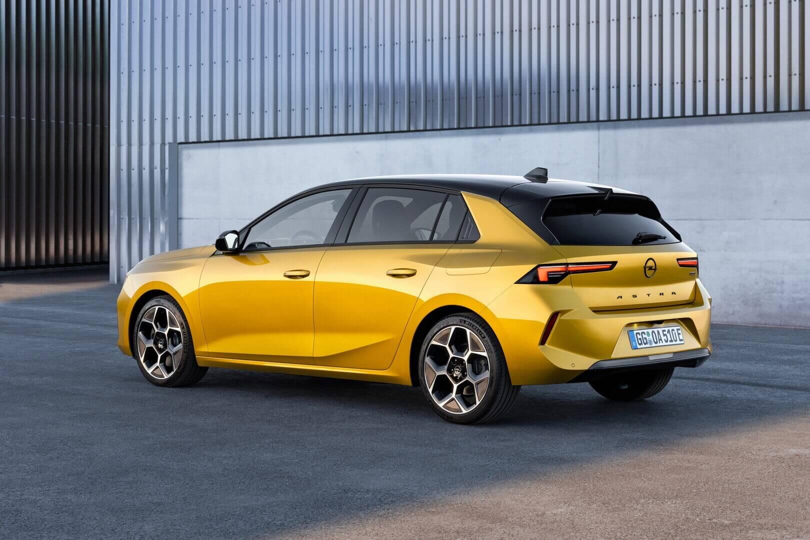 Opel Astra шестого поколения доступна с двумя плагин-гибридными вариантами