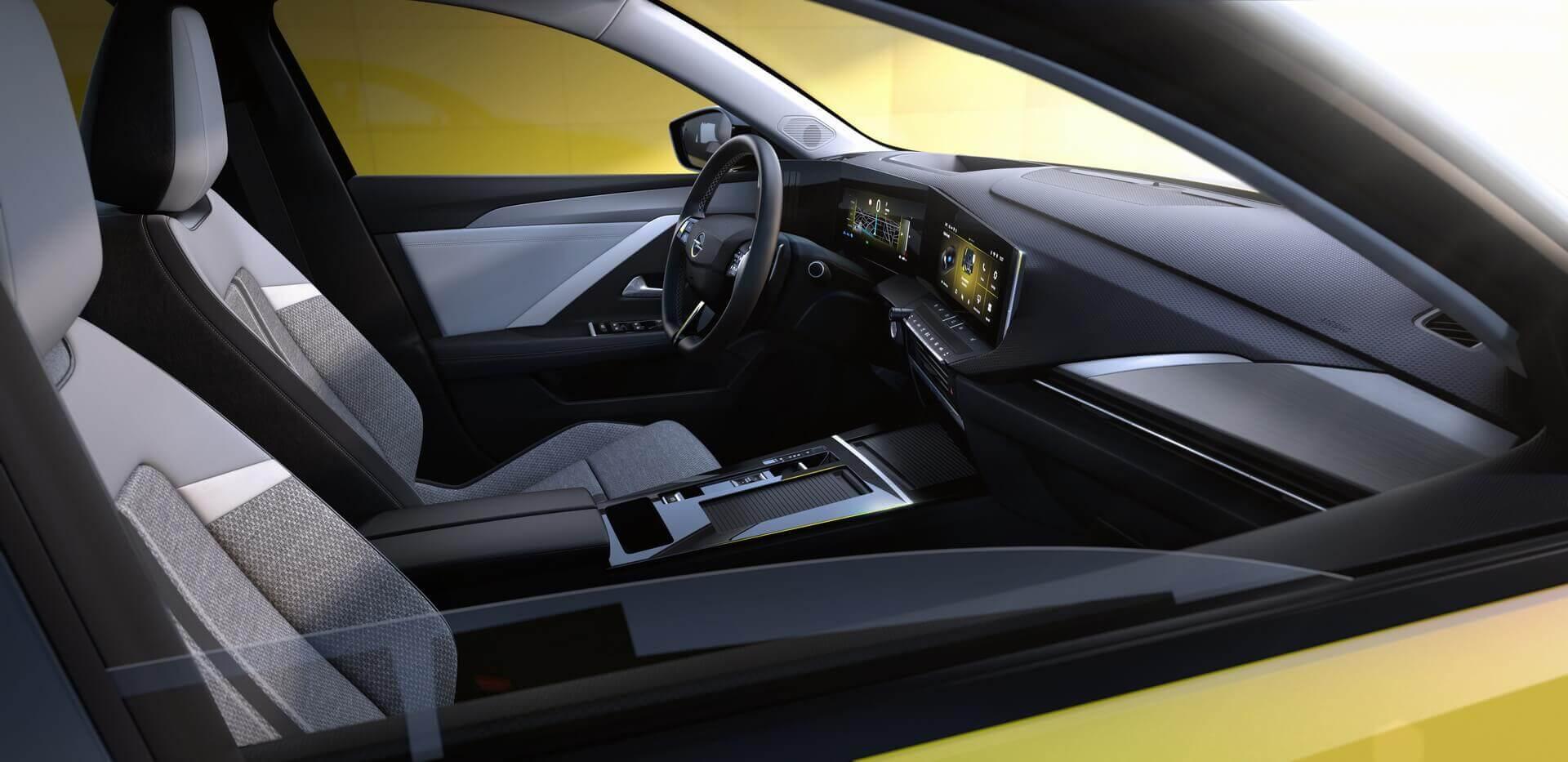 Интерьер Opel Astra 2022 модельного года