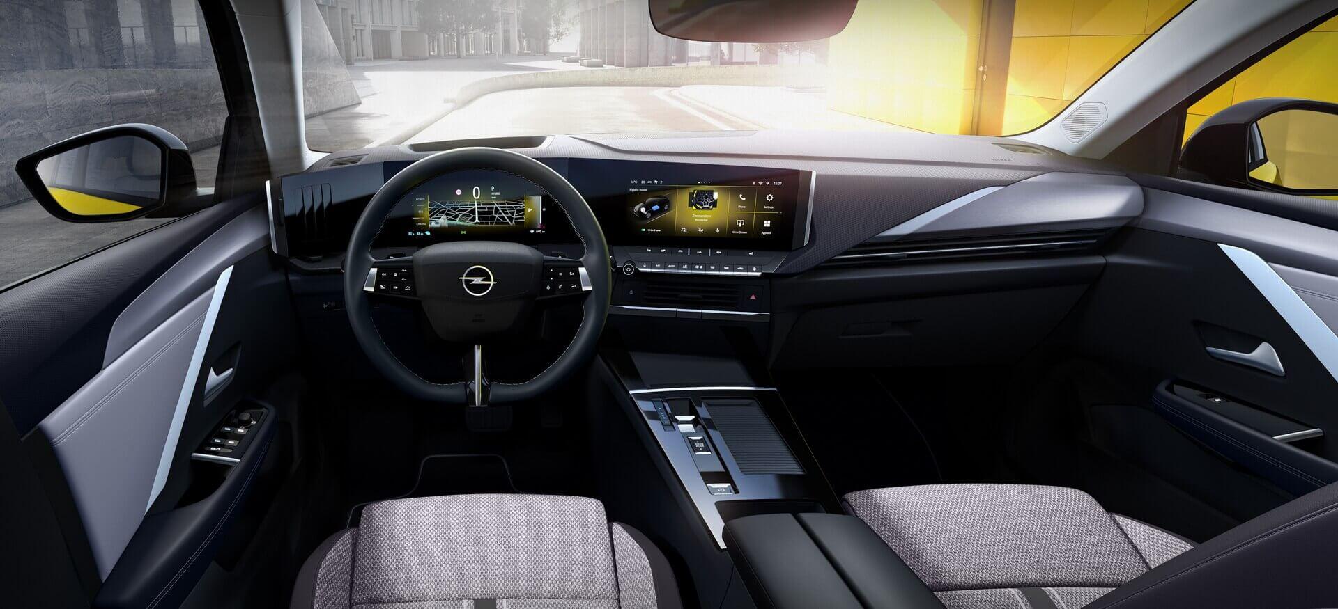Салон Opel Astra шестого поколения
