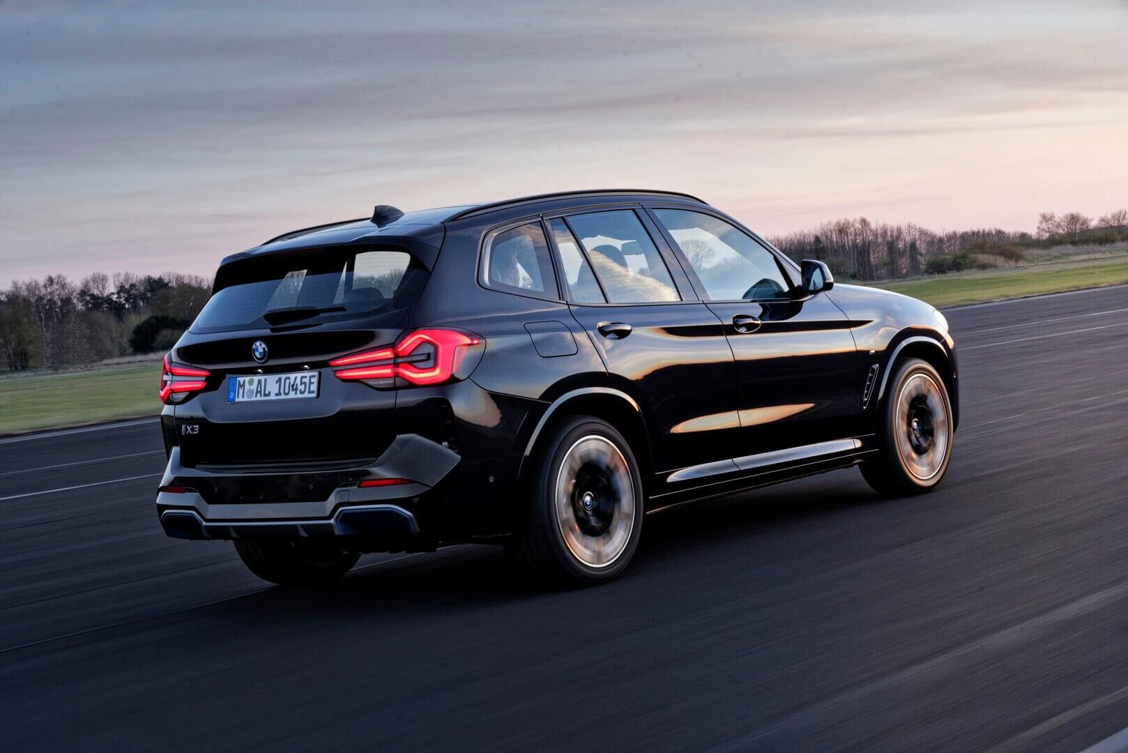 Электрический кроссовер BMW iX3 получил первое обновление