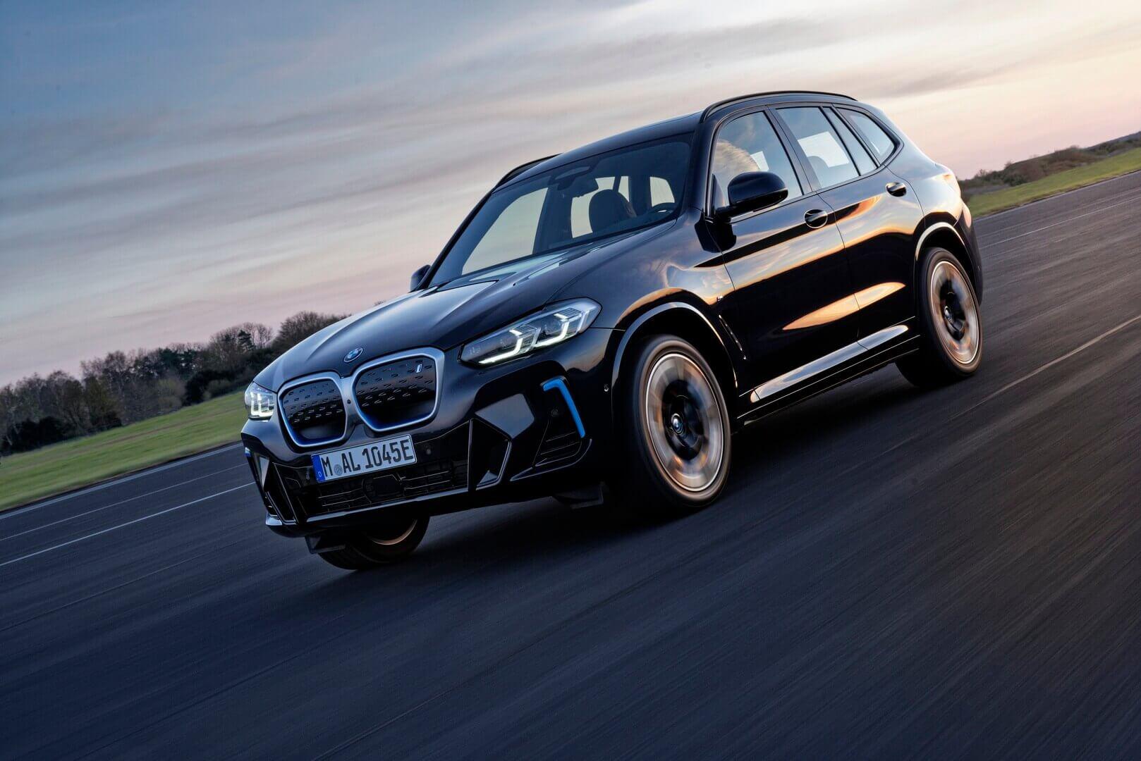 BMW обновила электрический кроссовер iX3