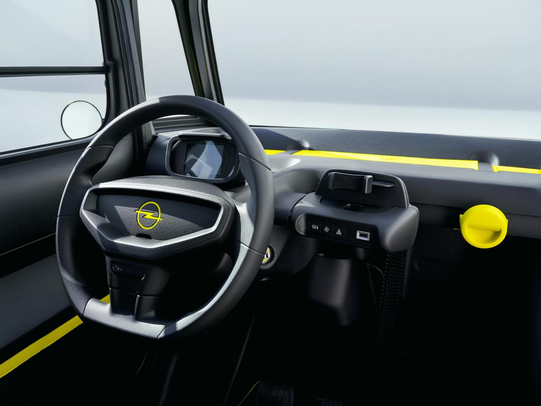Салон мини-электромобиля Opel Rocks-e