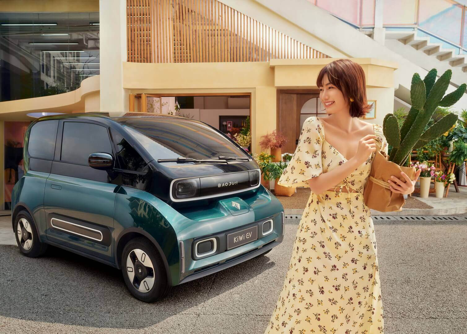 В Китае представлен мини-электромобиль Baojun KiWi с запасом хода 305 км