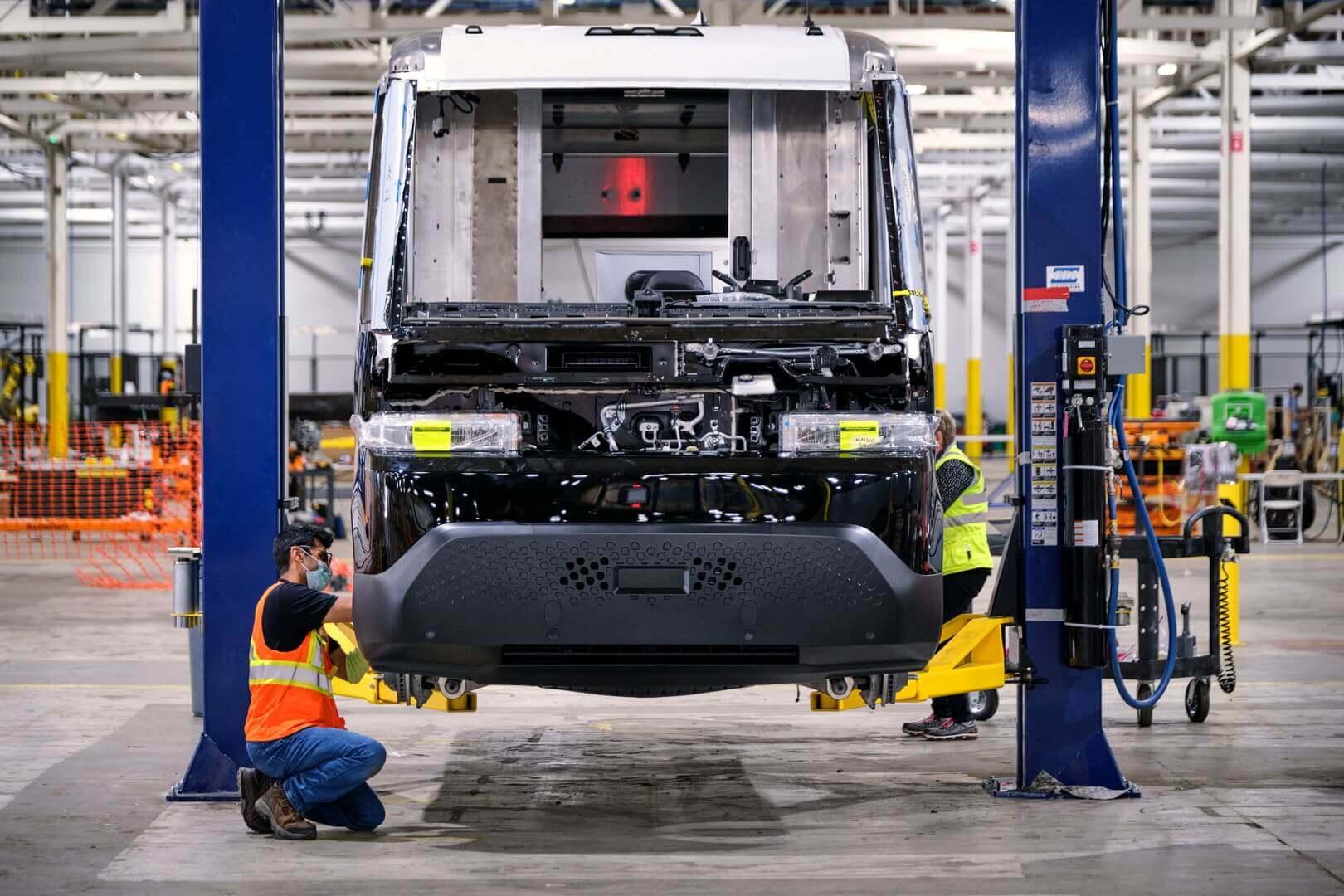 BrightDrop готовит первые электрические фургоны рекордными темпами
