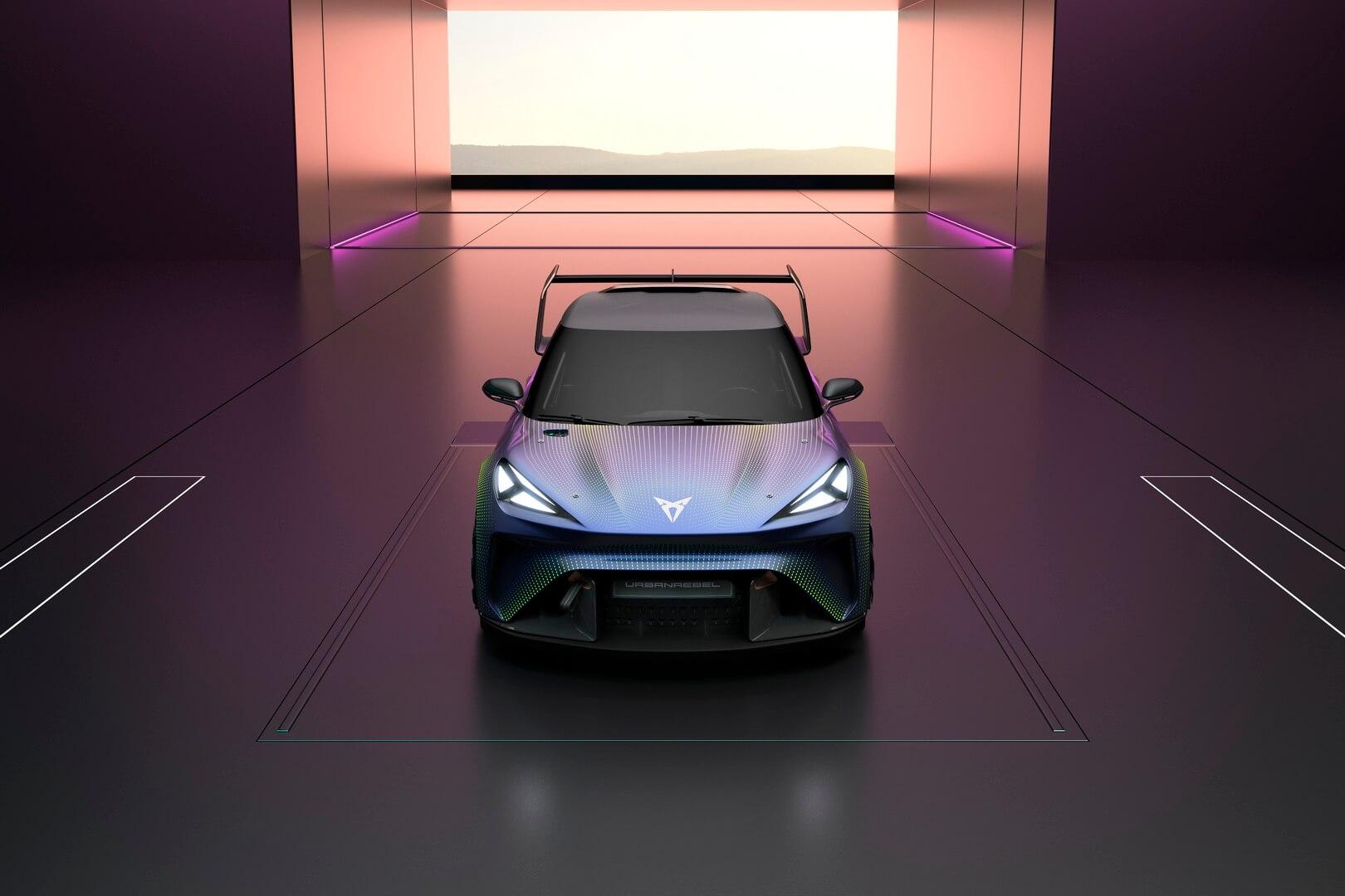Электрический городской автомобиль Cupra представила сначала как гоночный автомобиль