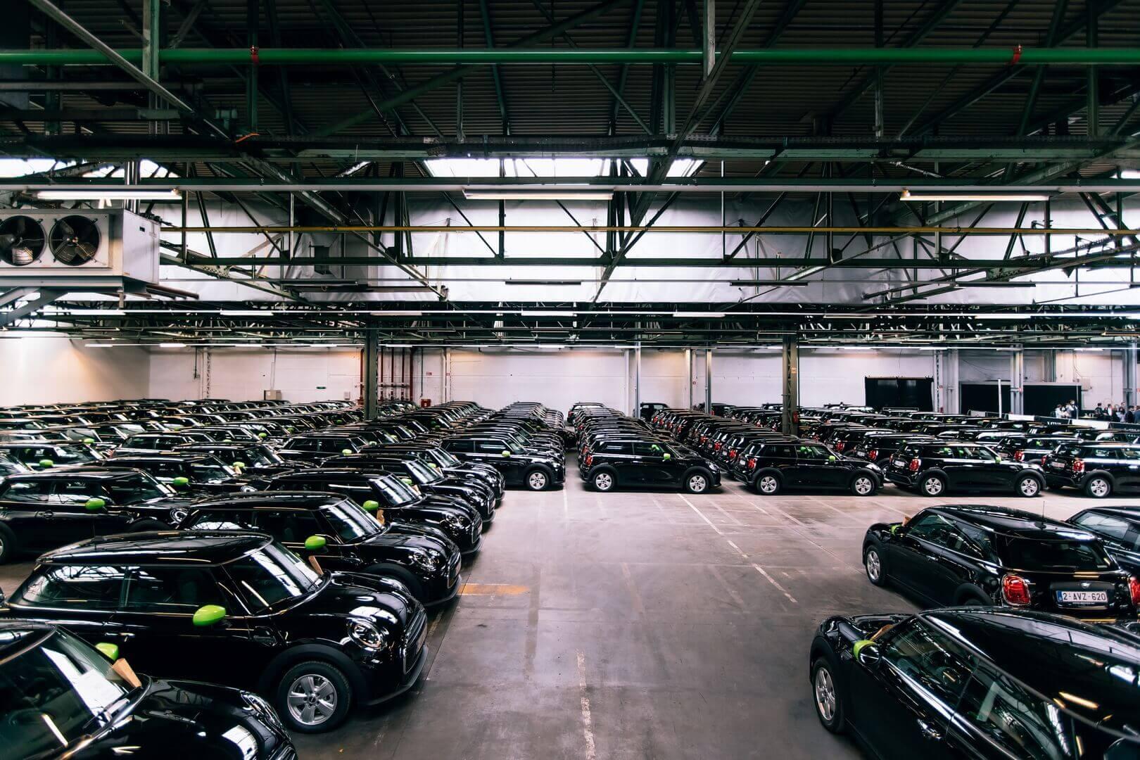 Самый большой парк MINI Cooper SEвЕвропе — каждый четвертый сотрудник Deloitte вБельгии выбирает электромобиль