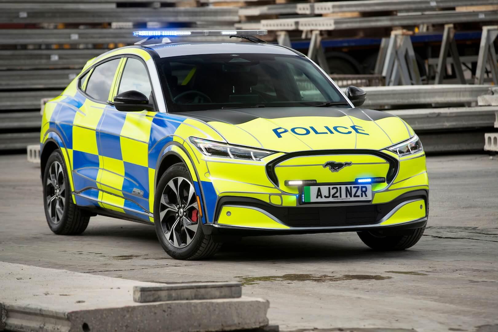 Полицейские службы Великобритании испытывают Ford Mustang Mach-E