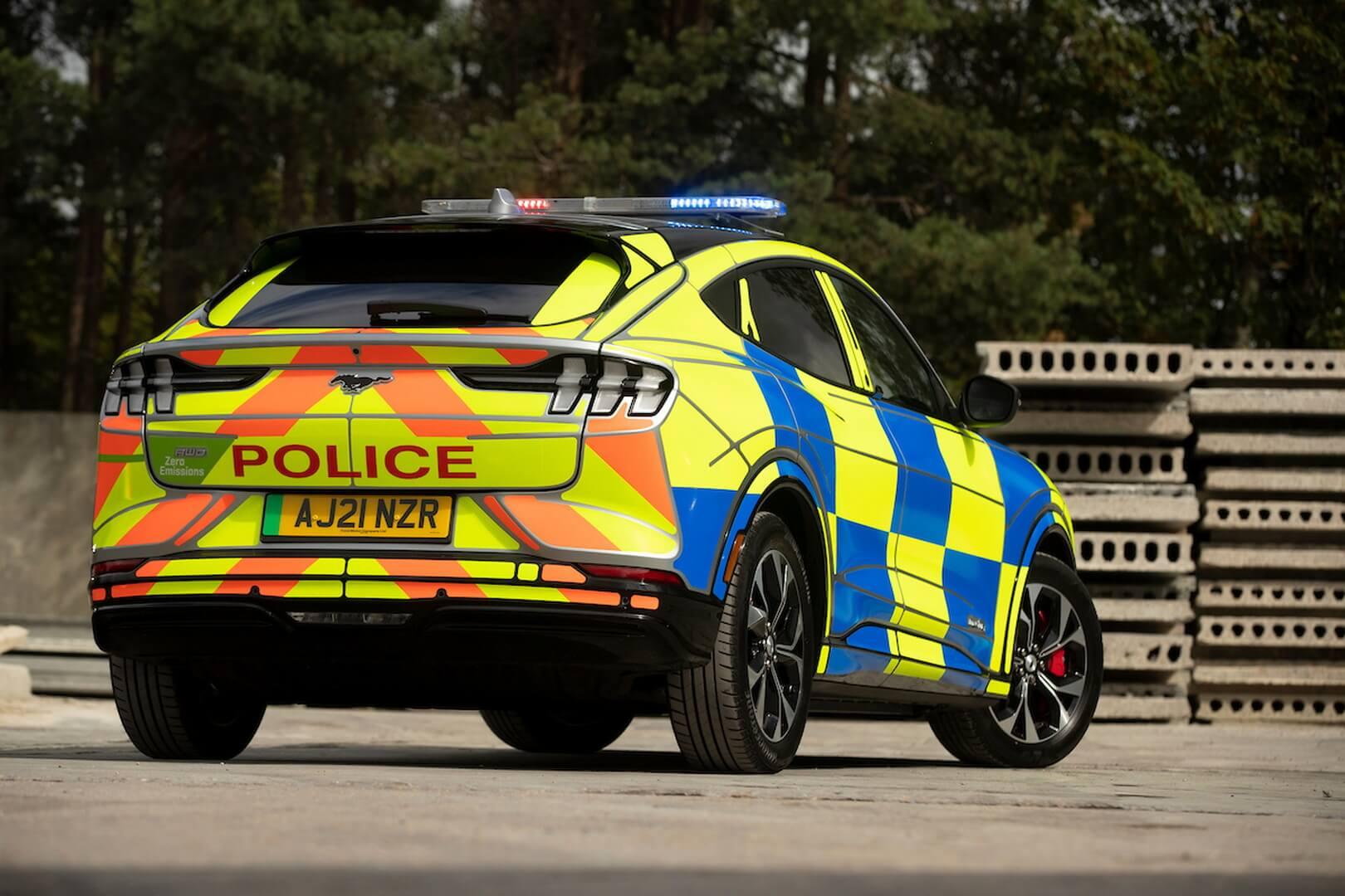 Электрический Ford Mustang Mach-E испытывают правоохранительные органы Великобритании