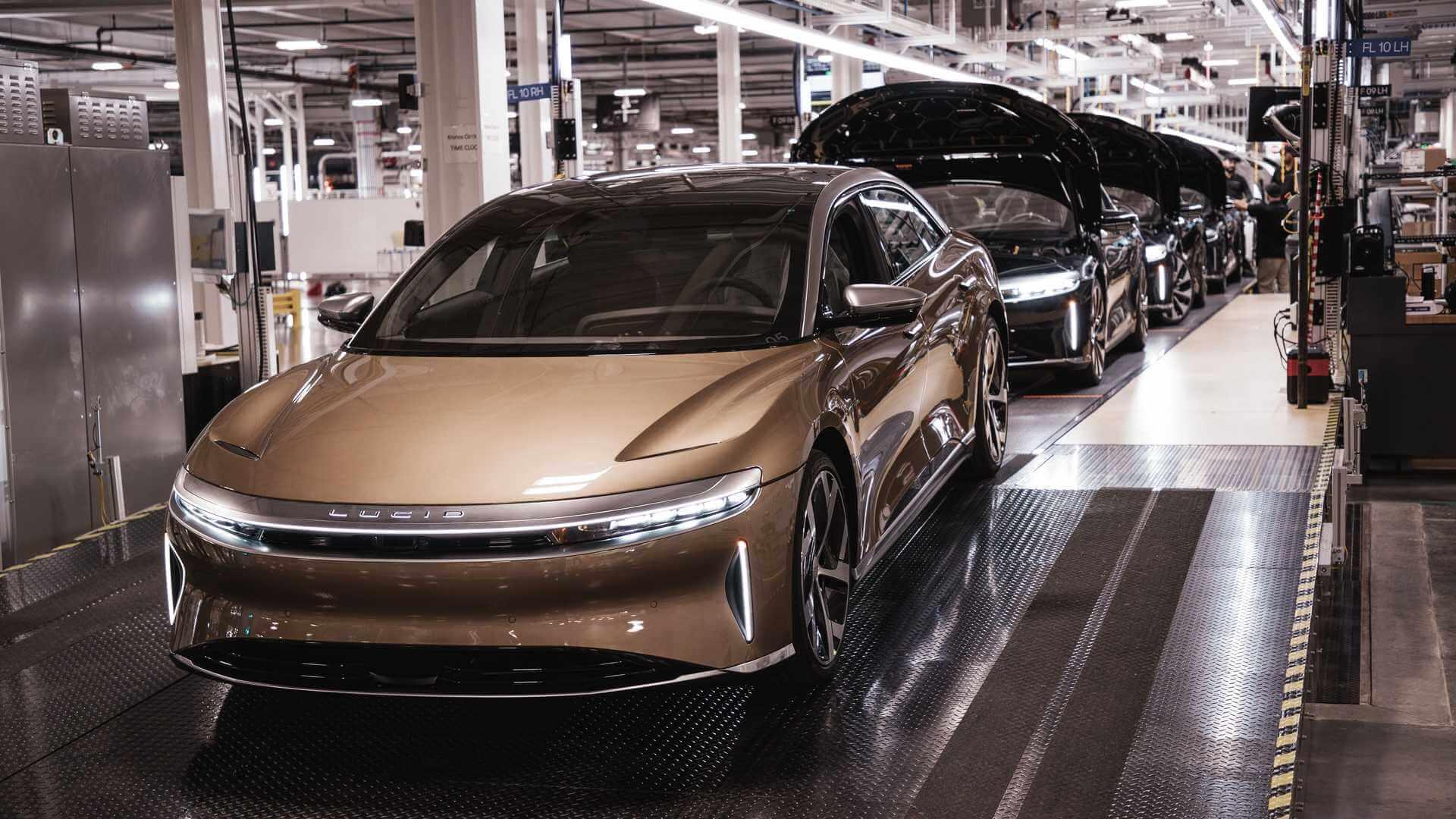 Lucid запустила серийное производство электрических седанов Air