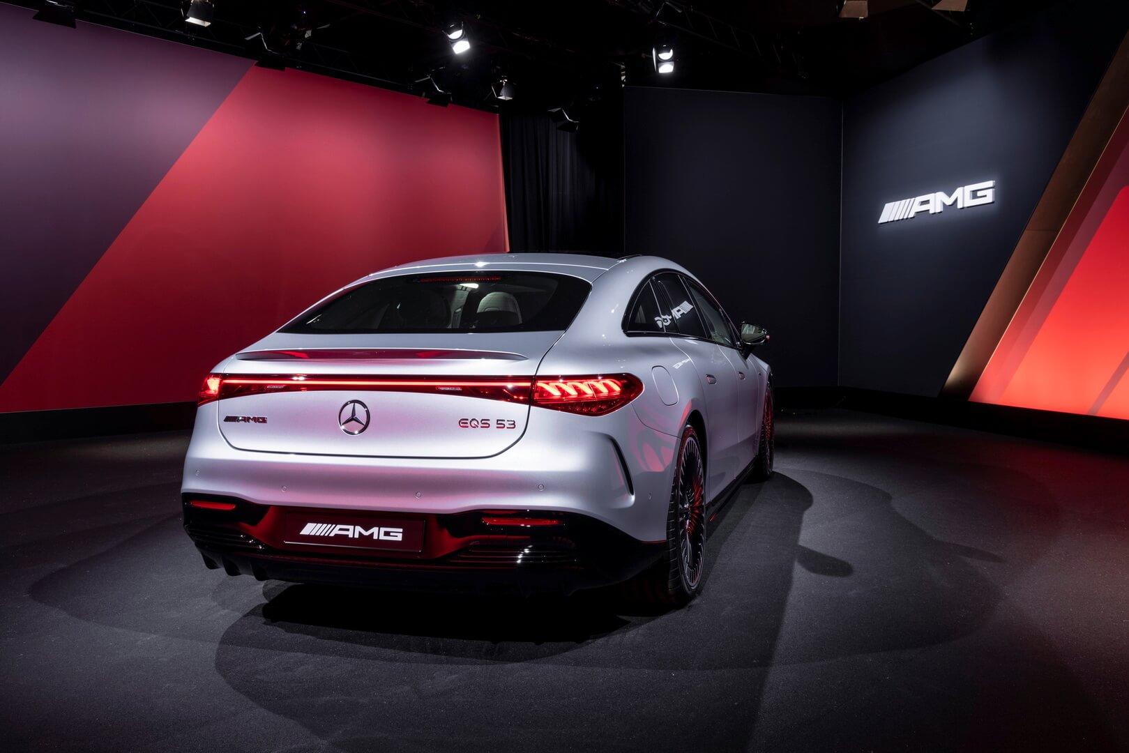 Mercedes-Benz AMG EQS 2022 года: флагман Аффальтербаха становится электрическим