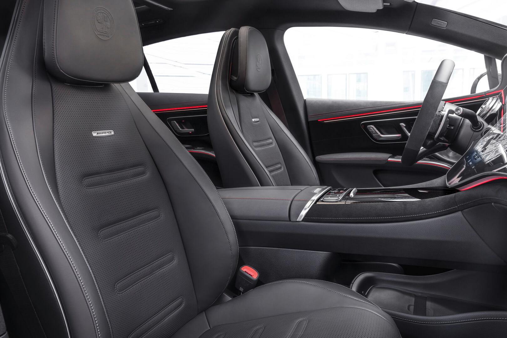 Салон электрического Mercedes-AMG EQS 53 4MATIC+