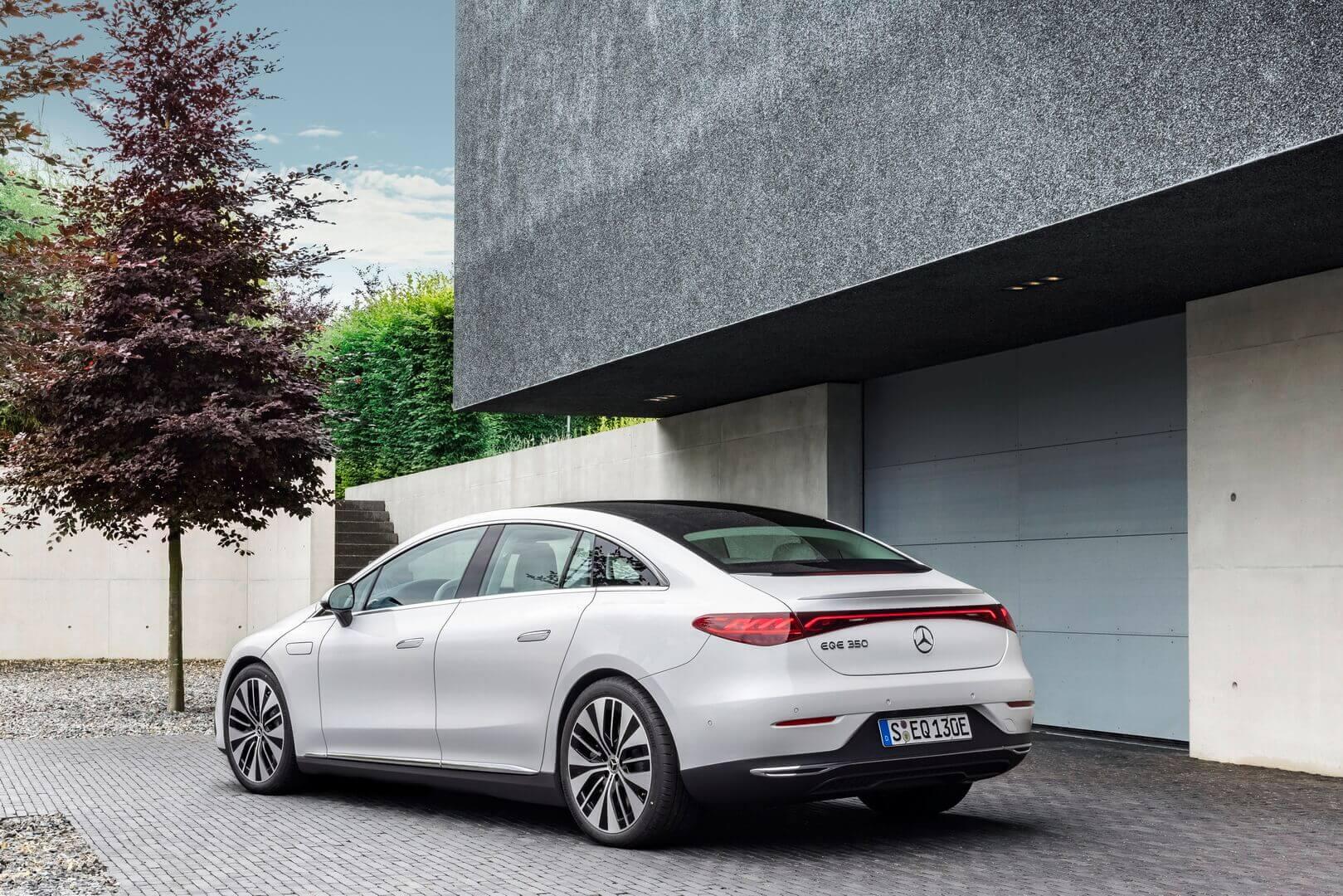 Mercedes-Benz EQE— более «доступный» роскошный электромобиль