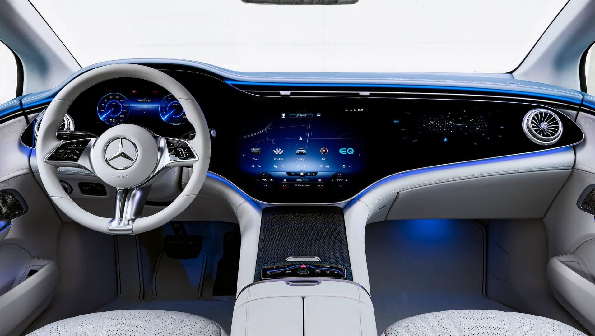 Внутренний дизайн основан на Mercedes-Benz EQS