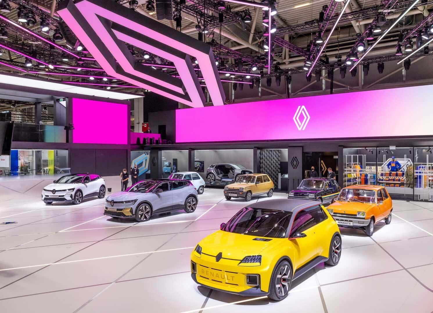Возрожденный электрический хэтчбек Renault 5 в ретро-стиле поступит в продажу в 2024 году