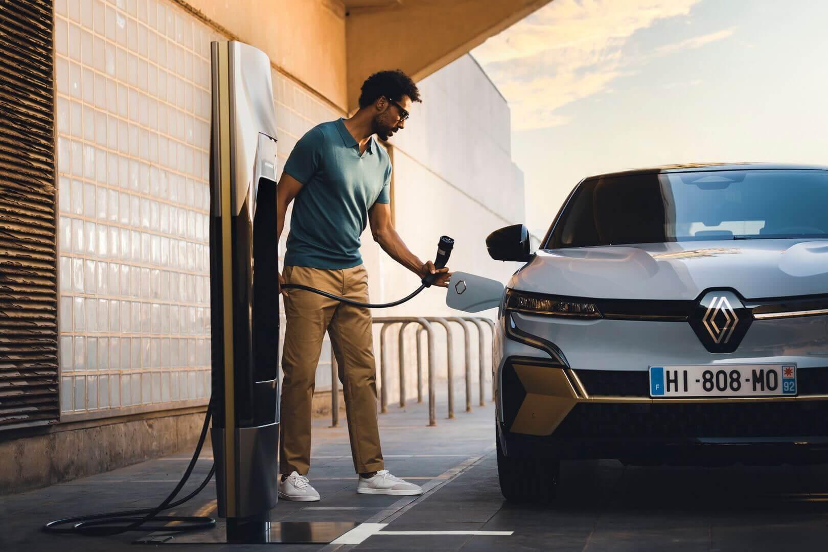 Зарядка Renault Megane E-Tech Electric