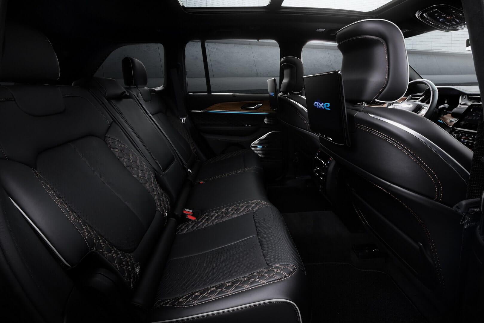 Задний ряд сидений Jeep Grand Cherokee 4xe