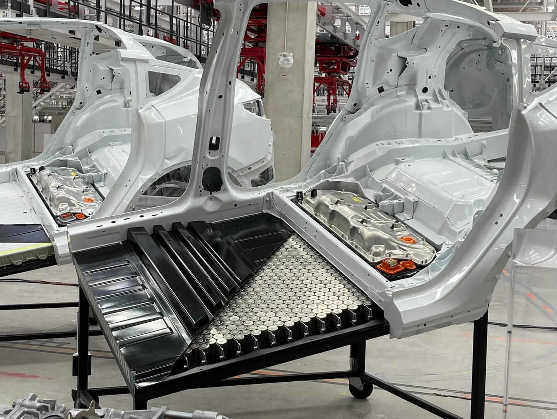 Tesla показала структурный аккумулятор с ячейками формата 4680 на Giga Berlin