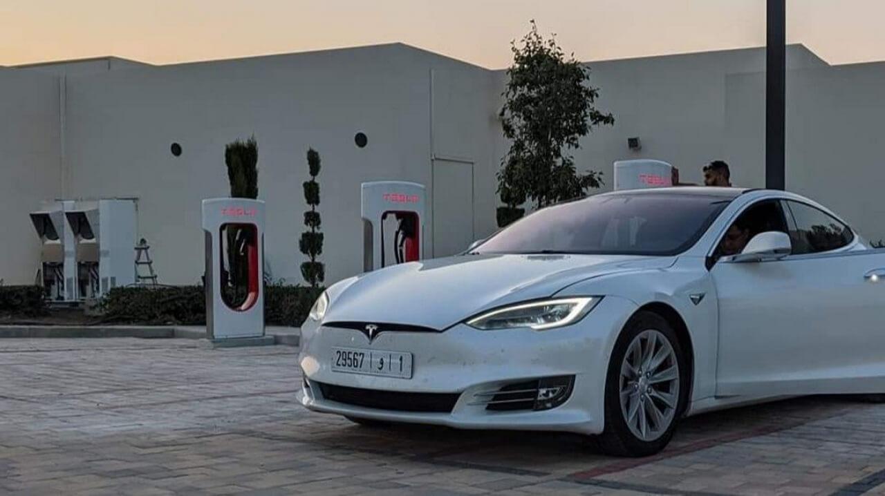 Tesla открывает свои первые Supercharger в Марокко