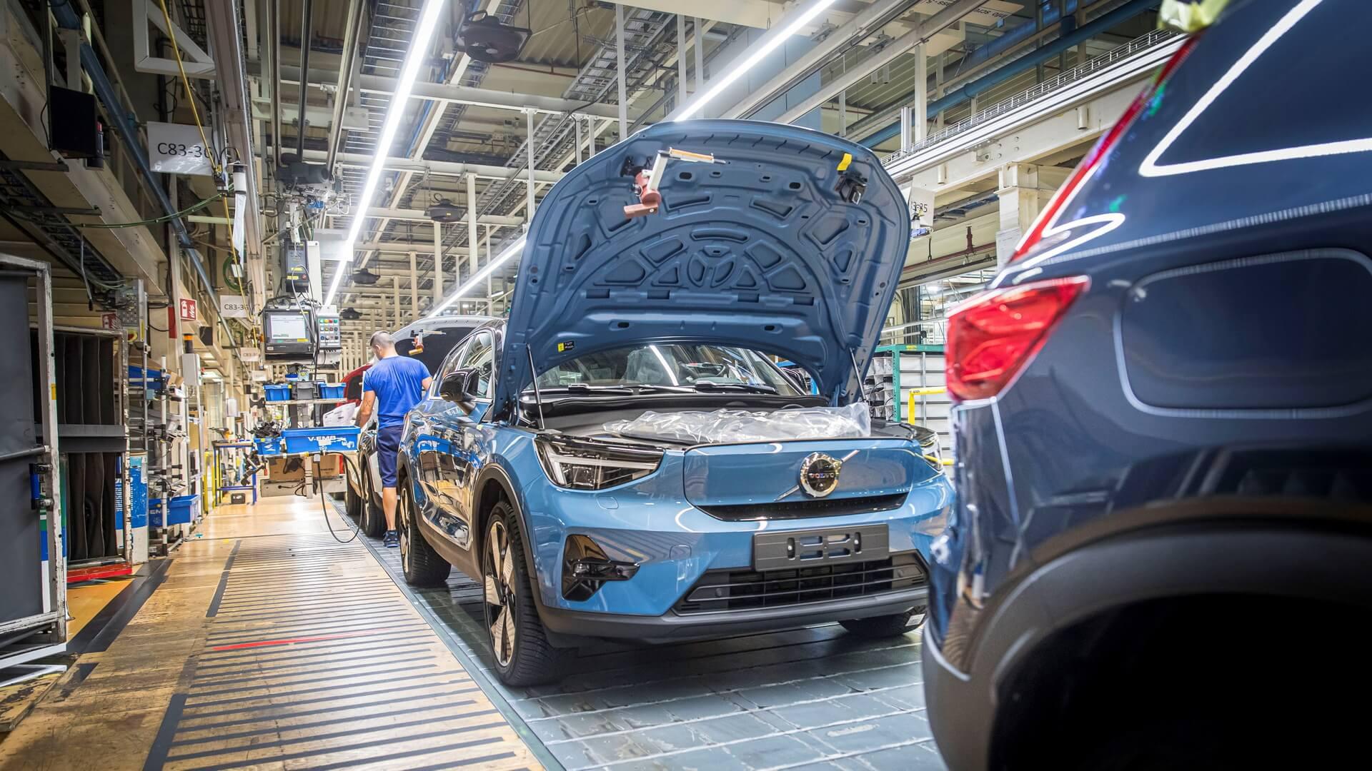 Volvo начинает производство C40 Recharge в Бельгии